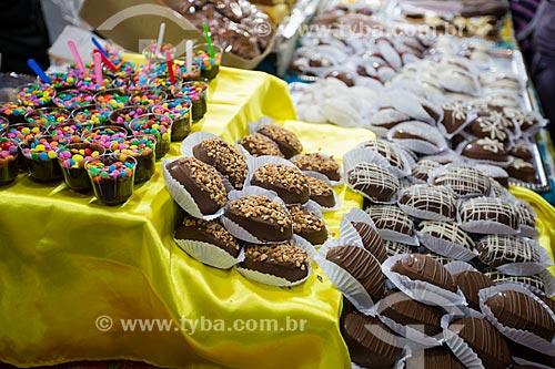 Doces à venda na festa junina da Praça Edmundo Rego  - Rio de Janeiro - Rio de Janeiro (RJ) - Brasil