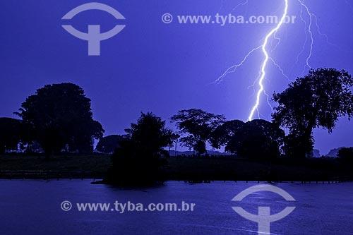 Vista de descarga elétrica na atmosfera  - Parintins - Amazonas (AM) - Brasil