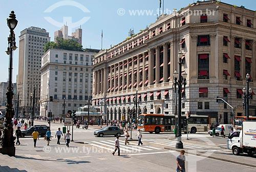 Edifício Alexandre Mackenzie - antiga LIGHT e atual shopping center com Prefeitura Municipal ao fundo  - São Paulo - São Paulo (SP) - Brasil
