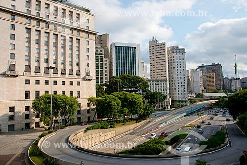 Vale do Anhangabaú - à esquerda Edifício Matarazzo sede da Prefeitura Municipal de São Paulo e Viaduto Doutor Eusébio Stevaux - ao fundo Praça das Bandeiras - início da Avenida 9 de Julho e 23 de Maio  - São Paulo - São Paulo (SP) - Brasil