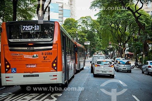 Ônibus na faixa exclusiva da Avenida Ipiranga na altura da Rua Major Sertório  - São Paulo - São Paulo (SP) - Brasil