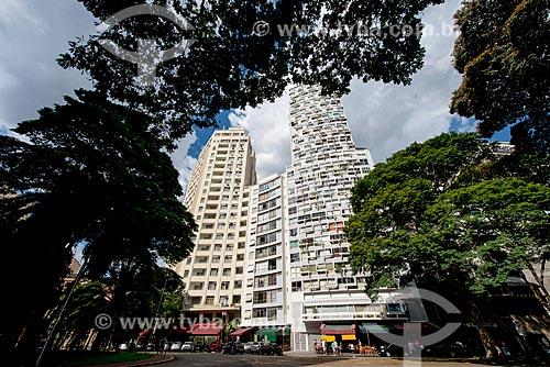 Edifícios residenciais com restaurantes embaixo no Largo do Arouche  - São Paulo - São Paulo (SP) - Brasil