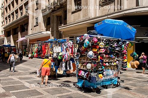 Camelôs no calçadão da Rua Marconi com a Barão de Itapetininga  - São Paulo - São Paulo (SP) - Brasil