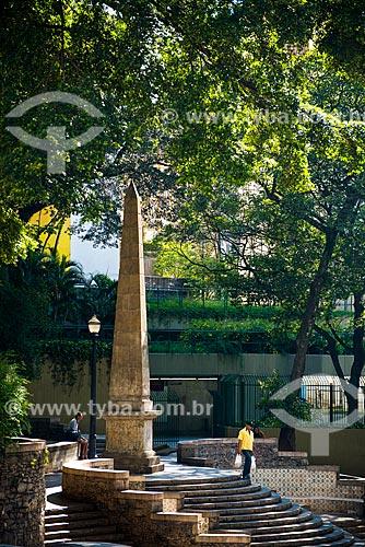 Largo da Memória - Ladeira da Memória - construção do início do século XIX no centro histórico  Obelisco do Piques construído em 1919 pelo arquiteto Victor Dubugras e o artista plástico José Wasth Rodrigues  - São Paulo - São Paulo (SP) - Brasil