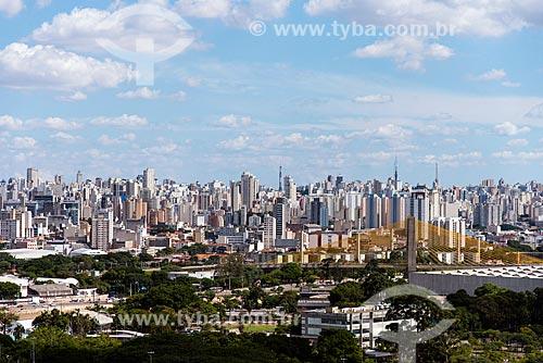 Centro da cidade visto do Campo de Marte e Ponte estaiada Governador Orestes Quércia com Clube Espéria em primeiro plano  - São Paulo - São Paulo (SP) - Brasil