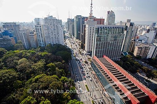 Vista geral da Avenida Paulista com o Parque Tenente Siqueira Campos - também conhecido como Parque Trianon - à esquerda - e o Museu de Arte de São Paulo (MASP)  - São Paulo - São Paulo (SP) - Brasil