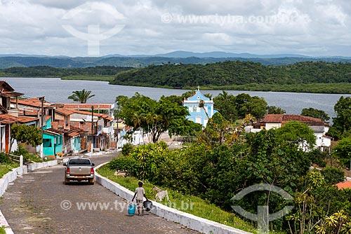 Vista geral da cidade de Maraú com Igreja e o Rio Maraú ao fundo  - Maraú - Bahia (BA) - Brasil