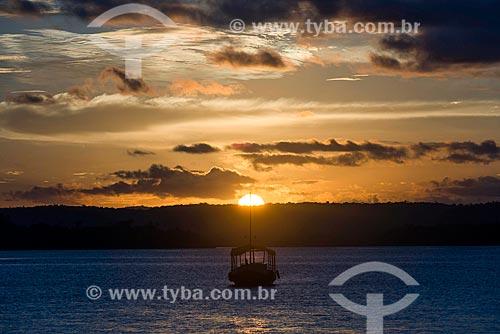 Pôr do sol no Rio Maraú  - Maraú - Bahia (BA) - Brasil