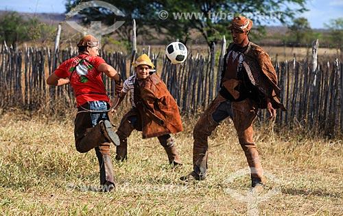 Vaqueiros jogando futebol no sertão de Pernambuco  - Serrita - Pernambuco (PE) - Brasil
