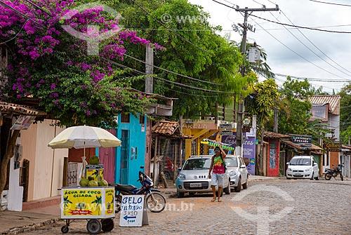 Rua Pedro Longo - também conhecida como Rua Pituba - centro comercial da cidade de Itacaré  - Itacaré - Bahia (BA) - Brasil
