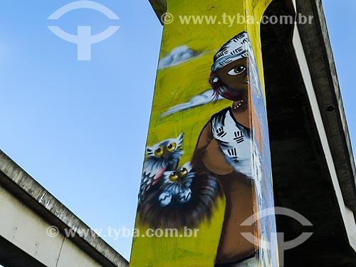 Grafite no pilar do monotrilho  - Porto Alegre - Rio Grande do Sul (RS) - Brasil