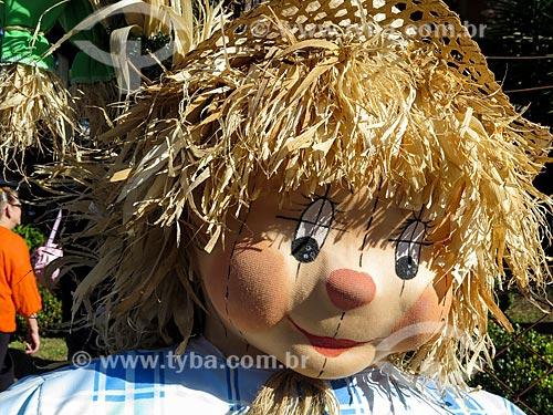 Detalhe de boneco na Feira da Colônia  - Canela - Rio Grande do Sul (RS) - Brasil