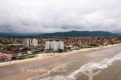 Foto aérea da Praia Boca da Barra - também chamada de Praia do Centro - com a Colônia de Cabos e Soldados da Policia Militar à esquerda  - Itanhaém - São Paulo (SP) - Brasil