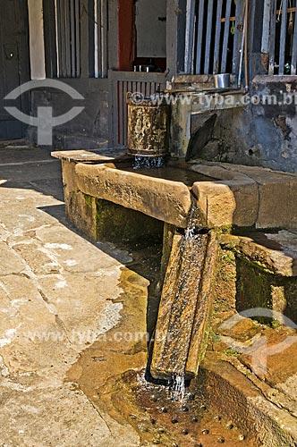 Pia de água corrente na cozinha da Fazenda Santa Clara - considerada uma das maiores fazenda do século XIX  - Santa Rita de Jacutinga - Minas Gerais (MG) - Brasil