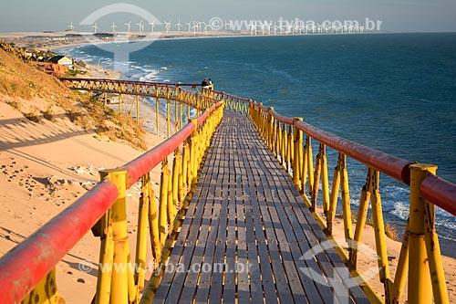 Vista da orla da Praia de Canoa Quebrada a partir da passarela  - Aracati - Ceará (CE) - Brasil
