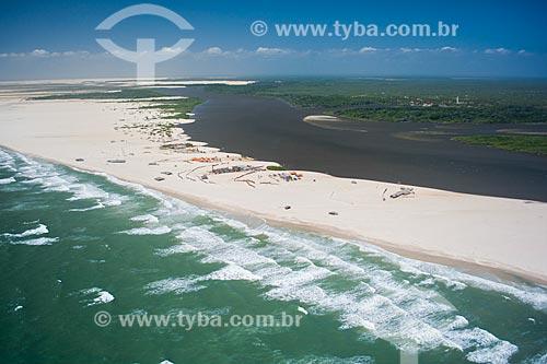 Foto aérea da Praia do Caburé com o Rio Preguiças ao fundo  - Barreirinhas - Maranhão (MA) - Brasil