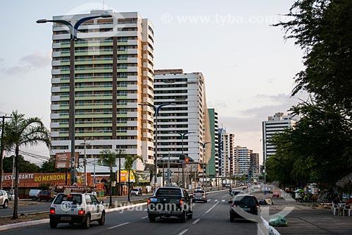Tráfego na Avenida dos Holandeses  - São Luís - Maranhão (MA) - Brasil