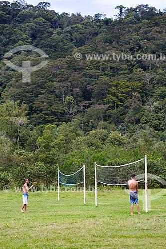 Homens praticando esporte na Fazenda Tucano  - Nova Iguaçu - Rio de Janeiro (RJ) - Brasil