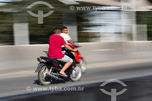 Motociclistas no Viaduto da Posse   - Nova Iguaçu - Rio de Janeiro (RJ) - Brasil