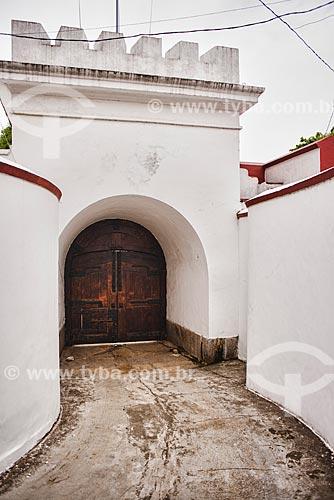 Portão no Forte de São Domingos de Gragoatá (Século XVII)  - Niterói - Rio de Janeiro (RJ) - Brasil