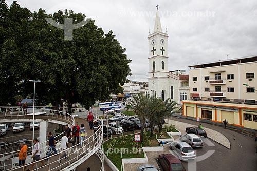 Praça Getúlio Vargas com Igreja São João Batista ao fundo  - São João de Meriti - Rio de Janeiro (RJ) - Brasil