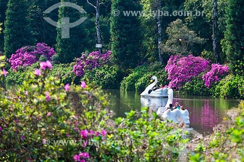 Pedalinhos no Lago Negro durante a primavera  - Gramado - Rio Grande do Sul (RS) - Brasil