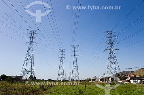 Torres de transmissão próximos à Via Light (RJ-081)  - Nova Iguaçu - Rio de Janeiro (RJ) - Brasil