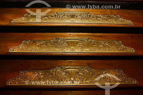 Detalhe de peças de metal em escada no Theatro da Paz (1874)  - Belém - Pará (PA) - Brasil