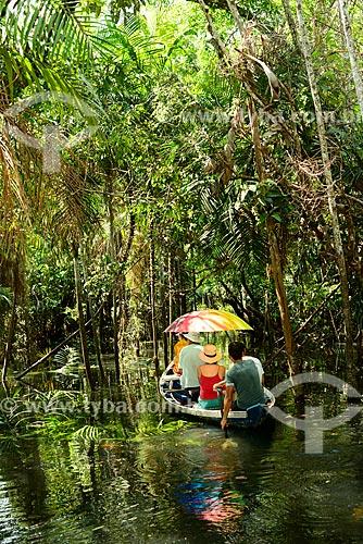 Canoa em igarapé do Rio Tapajós - próximo à Comunidade Caranazal  - Santarém - Pará (PA) - Brasil