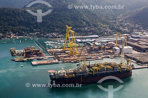 Estaleiro Brasfels construindo uma FPSO (Unidade flutuante de armazenamento e transferência)   - Angra dos Reis - Rio de Janeiro (RJ) - Brasil