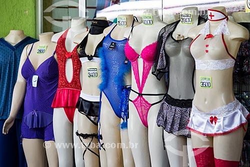Manequins com lingerie na Rodoviária do Shopping Center de Caxias  - Duque de Caxias - Rio de Janeiro (RJ) - Brasil