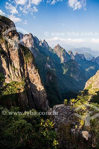 Vista dos picos Agulha do Diabo, Santo Antônio, Cabeça de Peixe e Dedo de Deus a partir do mirante conhecido como Portais de Hércules  - Petrópolis - Rio de Janeiro (RJ) - Brasil