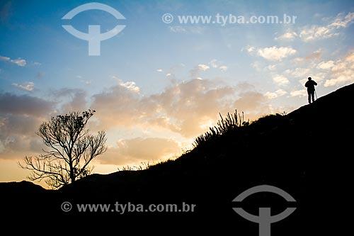 Trilha do mirante conhecido como Portais de Hércules para o Morro do Açu no Parque Nacional da Serra dos Órgãos  - Petrópolis - Rio de Janeiro (RJ) - Brasil