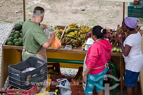 Frutas à venda na feira de alimentos orgânicos da Praça Luís de Camões  - Rio de Janeiro - Rio de Janeiro (RJ) - Brasil