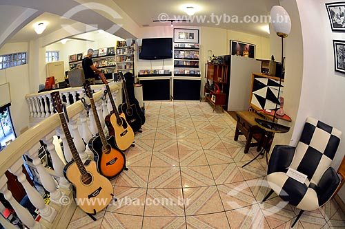 Interior da Livraria Bossa Nova e Companhia no Beco das Garrafas - na Rua Duvivier próximo ao número 37, considerado berço do movimento da Bossa Nova no Rio de Janeiro  - Rio de Janeiro - Rio de Janeiro (RJ) - Brasil