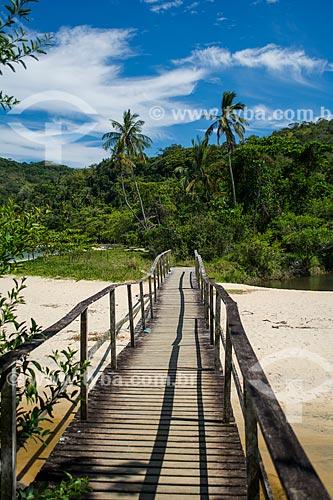 Ponte de madeira na Praia dos Mangues  - Angra dos Reis - Rio de Janeiro (RJ) - Brasil