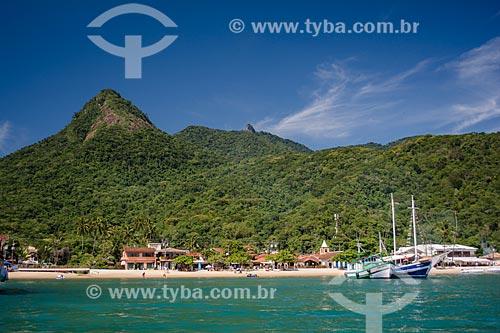 Vista geral da Vila do Abraão a partir da barca utilizada na travessia entre Ilha Grande e Angra dos Reis  - Angra dos Reis - Rio de Janeiro (RJ) - Brasil