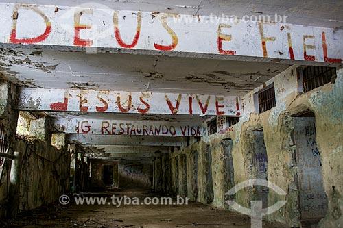 Ruínas do Lazareto (1886) - construído para abrigar em quarentena os viajantes vindos de países assolados pelo cólera, foi usado na década de 30 como presídio  - Angra dos Reis - Rio de Janeiro (RJ) - Brasil