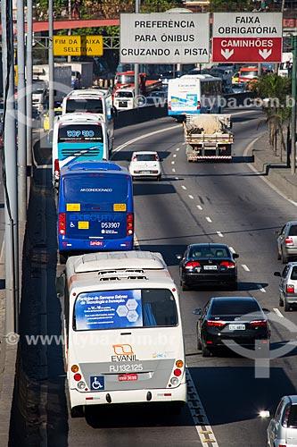 Trânsito na Avenida Brasil próximo à passarela 22  - Rio de Janeiro - Rio de Janeiro (RJ) - Brasil