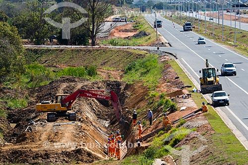 Obras de infraestrutura no acostamento do Arco Metropolitano  - Seropédica - Rio de Janeiro (RJ) - Brasil