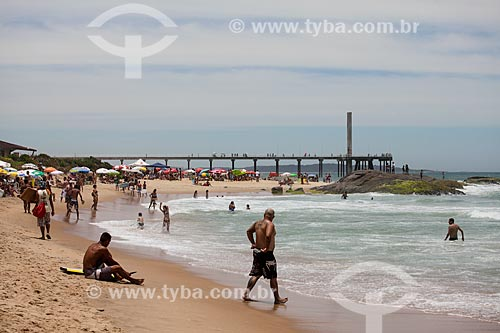 Banhistas na Praia de Costazul  - Rio das Ostras - Rio de Janeiro (RJ) - Brasil