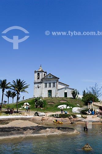 Vista geral da Capela de São João Batista (1619) a partir da Prainha  - Casimiro de Abreu - Rio de Janeiro (RJ) - Brasil