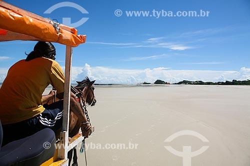 Passeio de charrete na orla da Ilha de Maiandeua  - Maracanã - Pará (PA) - Brasil