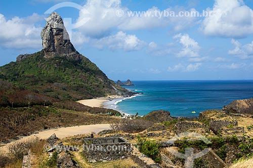 Vista da Praia do Meio, Praia da Conceição e Morro do Pico  - Fernando de Noronha - Pernambuco (PE) - Brasil