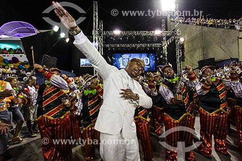 Cantor Dudu Nobre durante o desfile do Grêmio Recreativo Escola de Samba Unidos do Viradouro  - Rio de Janeiro - Rio de Janeiro (RJ) - Brasil