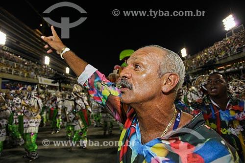 Ex-jogador Júnior durante o desfile do Grêmio Recreativo Escola de Samba Estação Primeira de Mangueira  - Rio de Janeiro - Rio de Janeiro (RJ) - Brasil