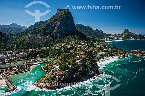 Foto aérea da Ponte da Joatinga com a Pedra da Gávea ao fundo  - Rio de Janeiro - Rio de Janeiro (RJ) - Brasil