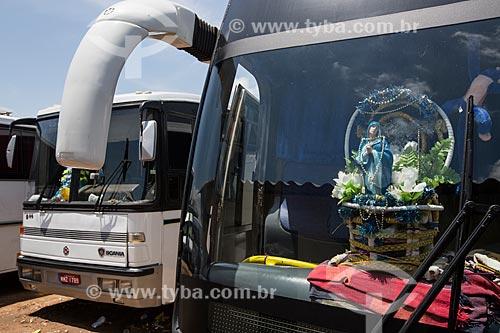 Ônibus de romeiros em Juazeiro do Norte para a Romaria de Nossa Senhora das Candeias  - Juazeiro do Norte - Ceará (CE) - Brasil