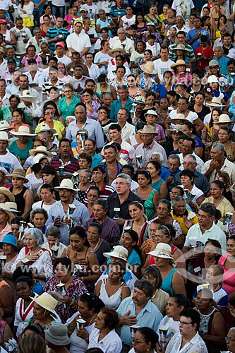 Concentração de romeiros para a Romaria de Nossa Senhora das Candeias próximo à Capela Nossa Senhora do Perpétuo Socorro  - Juazeiro do Norte - Ceará (CE) - Brasil
