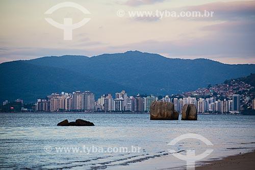 Vista de Florianópolis a partir da ilha de Santa Catarina  - Florianópolis - Santa Catarina (SC) - Brasil